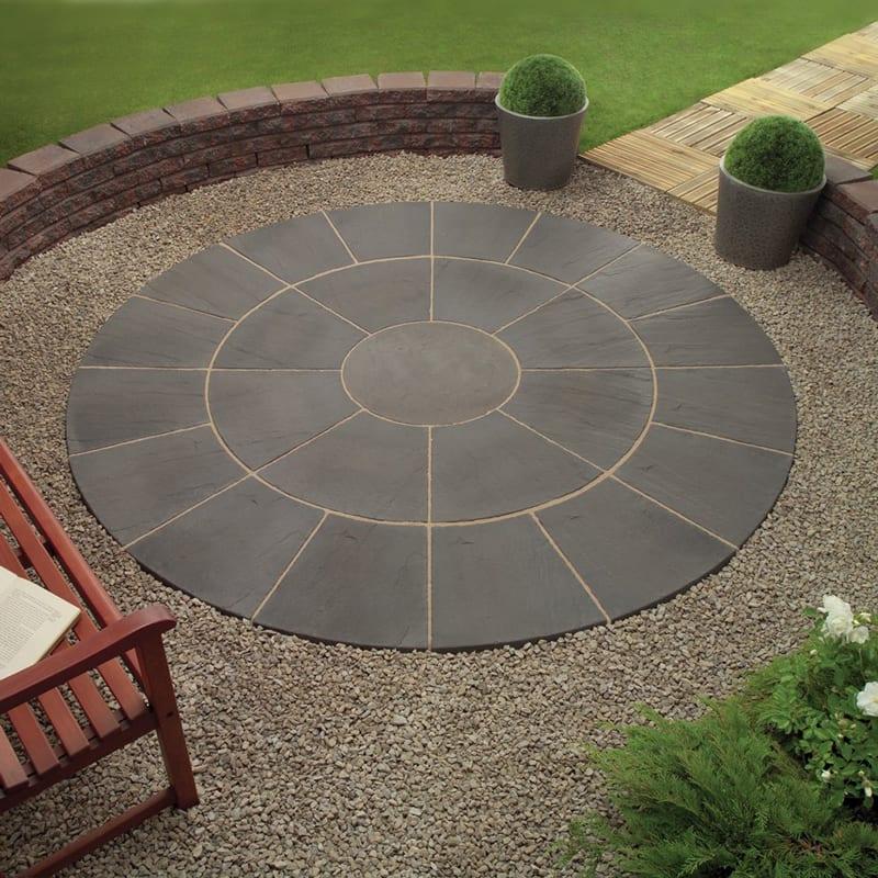 Oxford circle paving - Outdoor patio design ideas ...